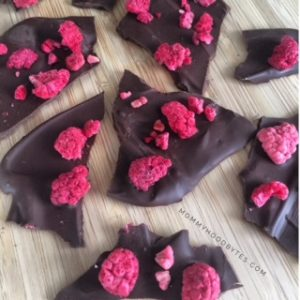Healthy Valentine's Day Treat: Dark Chocolate Raspberry Bark Recipe