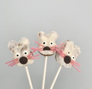 High Protein Cake Pops – Easter Bunny Cake Pops