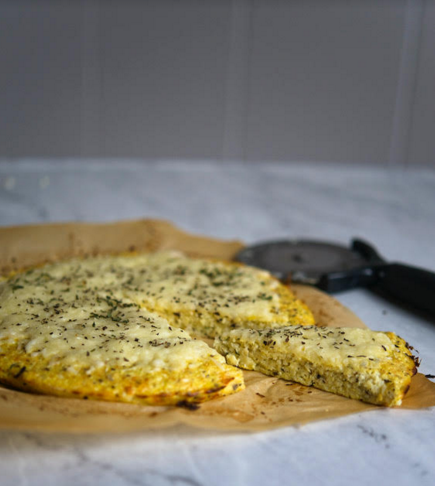 How to make an easy cauliflower pizza recipe