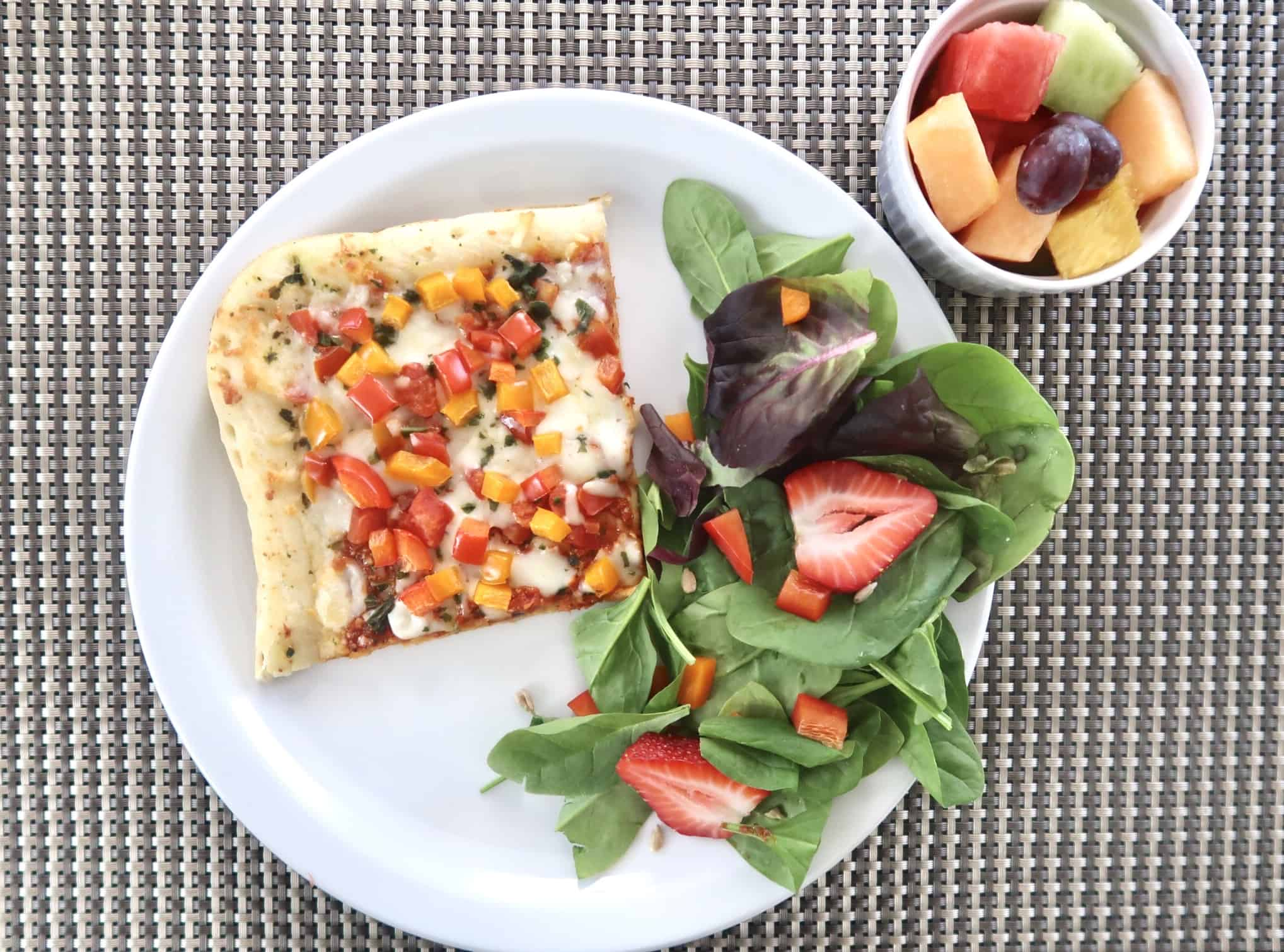 how to host a healthy pizza night