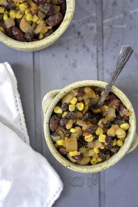 5 Minute Slow Cooker Vegetarian Chili For An Easy Dinner Option