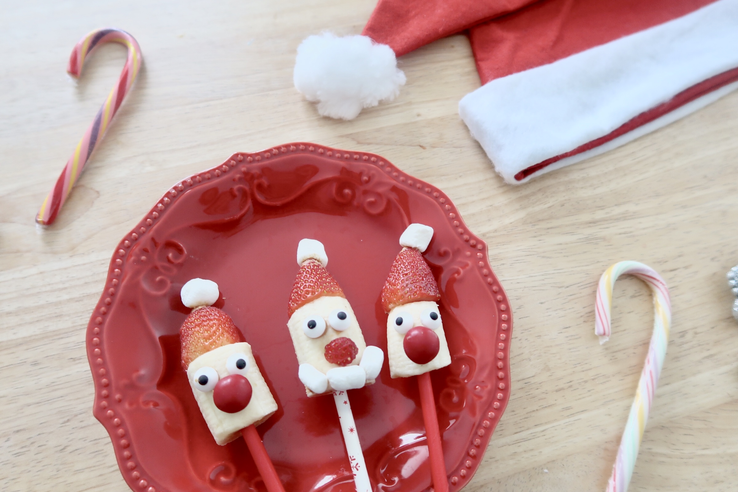 Strawberry Banana Santa Pops Recipe fun christmas foods for kids