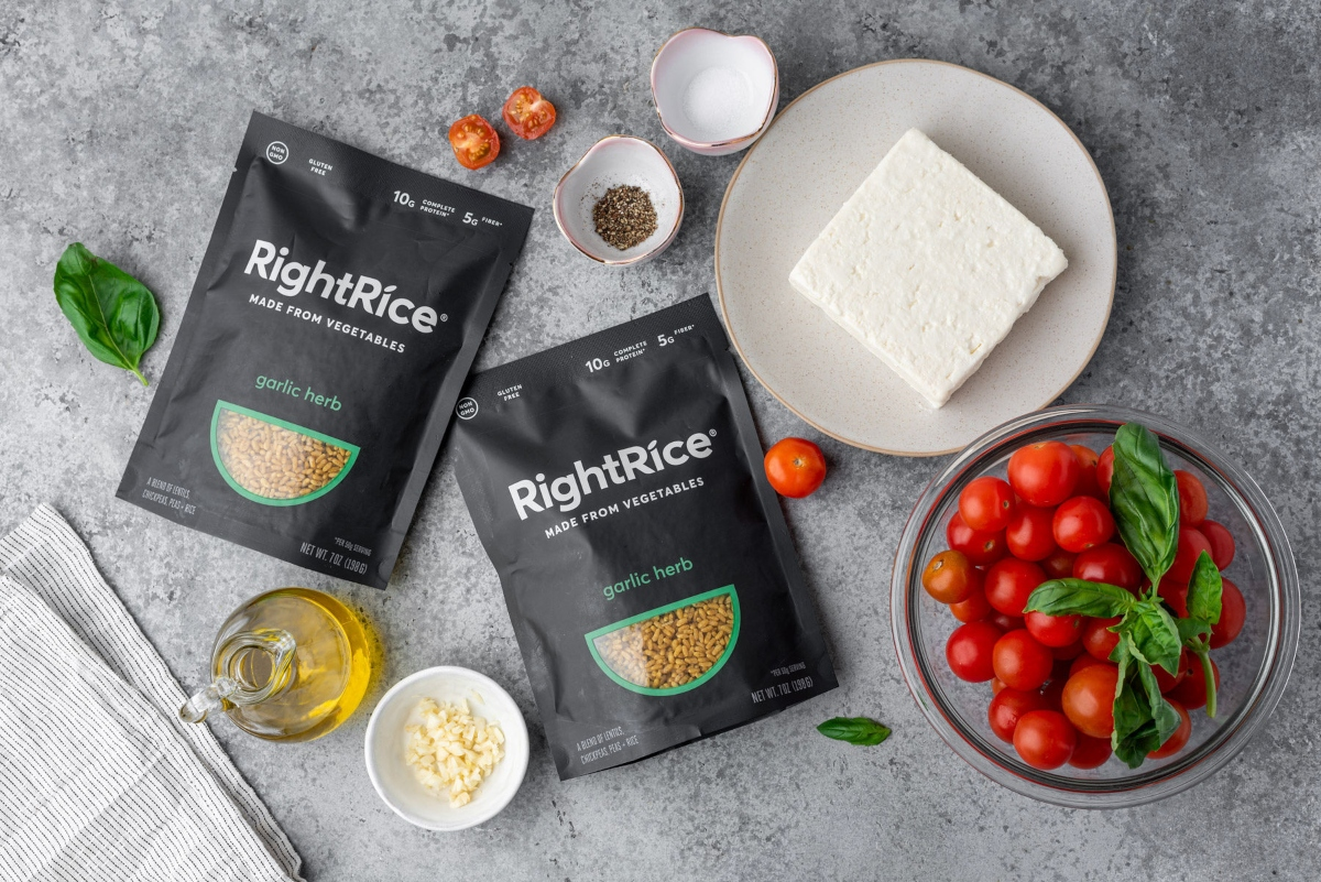 Pack of Right Rice with feta cheese, cherry tomatoes, olive oil and spices