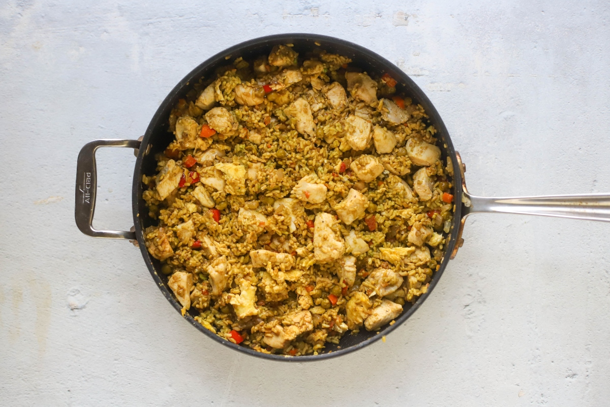 Fried rice with chicken in a pot
