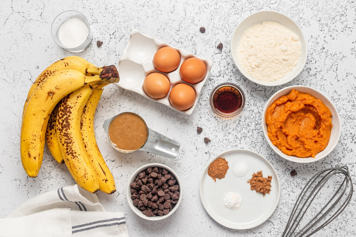 Ingredients for low carb pumpkin muffins